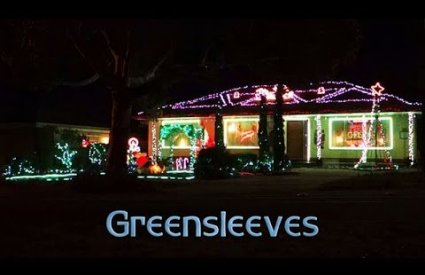 ryanschristmaslights - Greensleeves (What Child Is This?) by 00.52