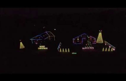 LawrenceDriveLights - Go Santa Go by The Wiggles